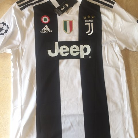 1cdf7a22a81 Ronaldo Juventus Jersey Brand New with tags Size XL but fits - Depop