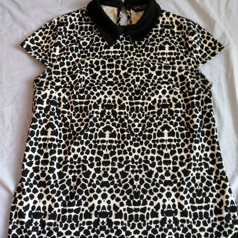 123aa8a35be1 @raywillow. last month. South Yorkshire, United Kingdom. Black and white leopard  print top with collar. Size ...