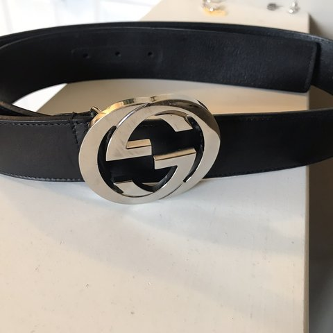 5a6abcecdc6 Black Leather Gucci Belt Size 32 Depop