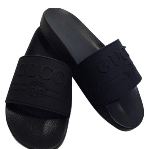 1f5685467 AUTHENTIC GUCCI rubber logo slides. NWT (new with tag)