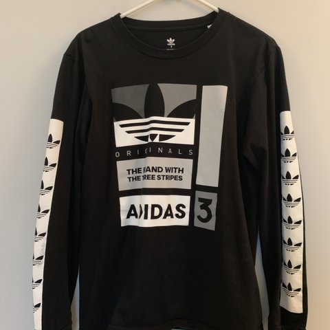 6dd77861b @ellathompson22. last month. Westport, United States. Adidas long sleeve  shirt. This is a mens size small but fits ...