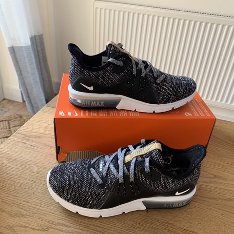 4a5a2a6f2038 Nike Air Max Sequent 3 Uk3 brand new