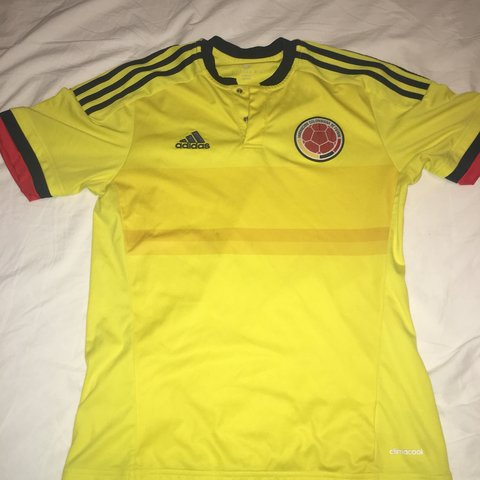 3ed5a4a9964 Adidas Colombia home jersey Size small Small stains on the - Depop