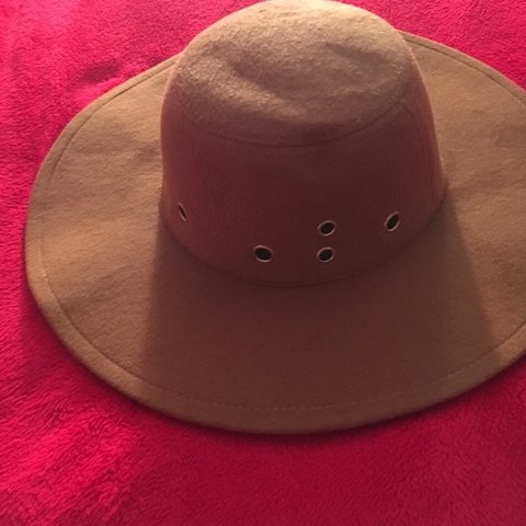 699027445cd7 @monii629. 4 days ago. Middletown, United States. Wide brim hat new without  tag