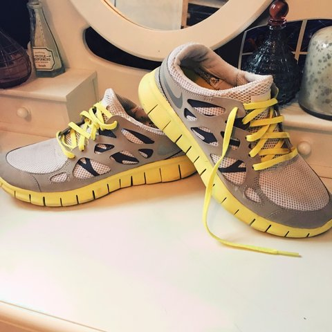 5d5b0013d39b AUTHENTIC NIKE FREE RUN 2. White grey and yellow. Size uk 6. - Depop
