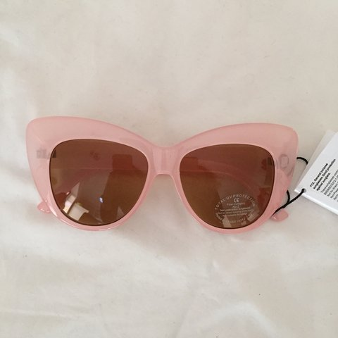 fd0f847bb6207 Asos baby pink cat eye sunglasses 💞✨ new with tags! Make - Depop