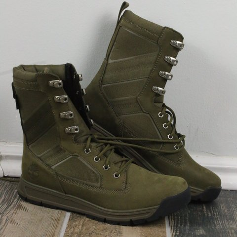 969f9922391c54 Timberland combat boots. Brand new never been worn but they - Depop