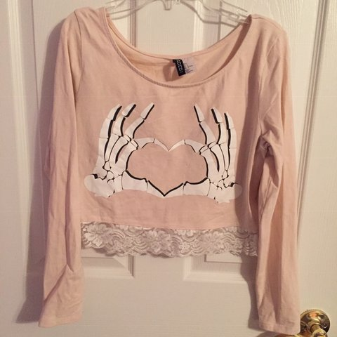 aa8008c5236 @cutesykawaiibabe. in 13 hours. Eastlake, United States. Skeleton hand crop  top!! ❤ making a heart ☺ beautiful peach pink shade 💕 long Sleeved ...