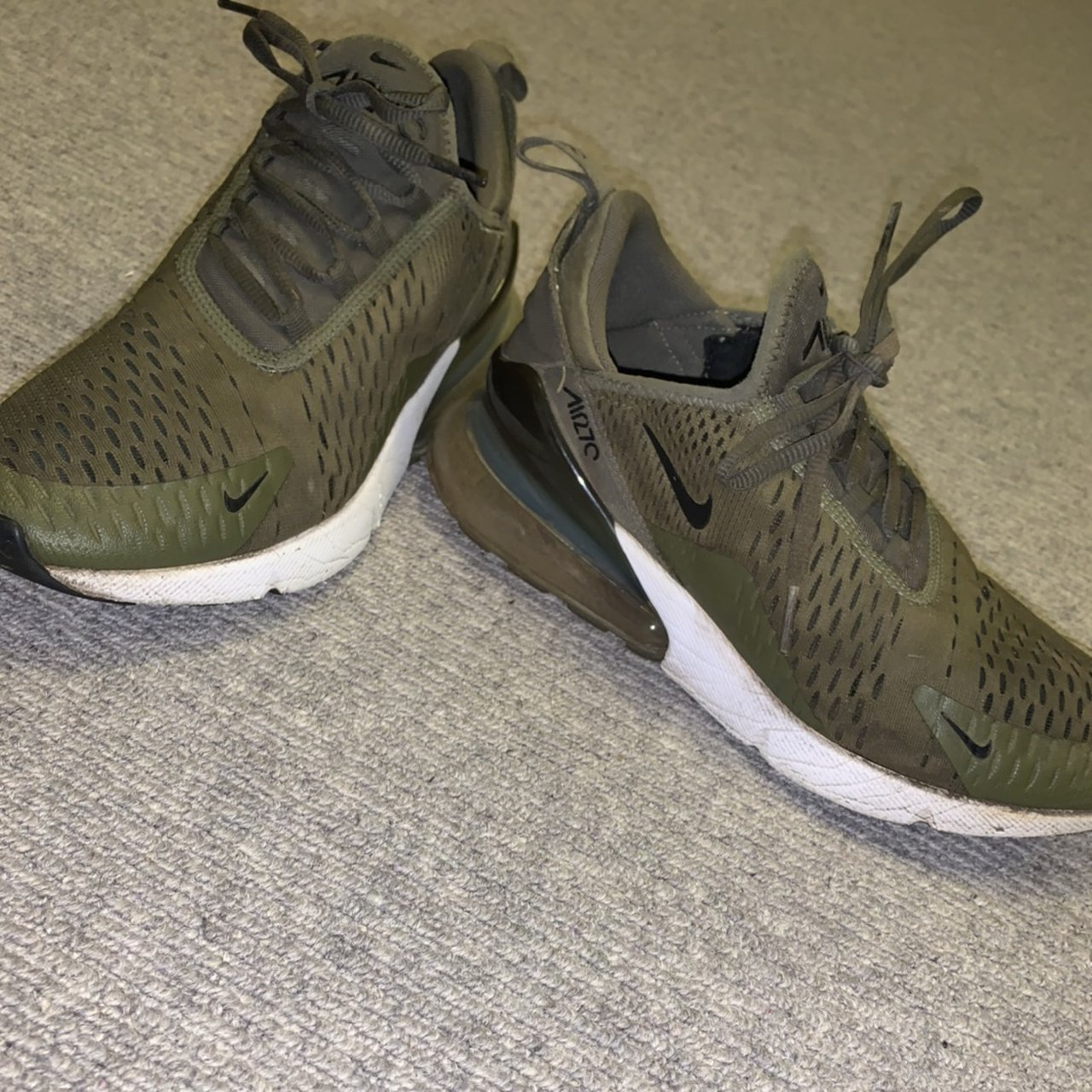 Nike 270 olive green running trainers
