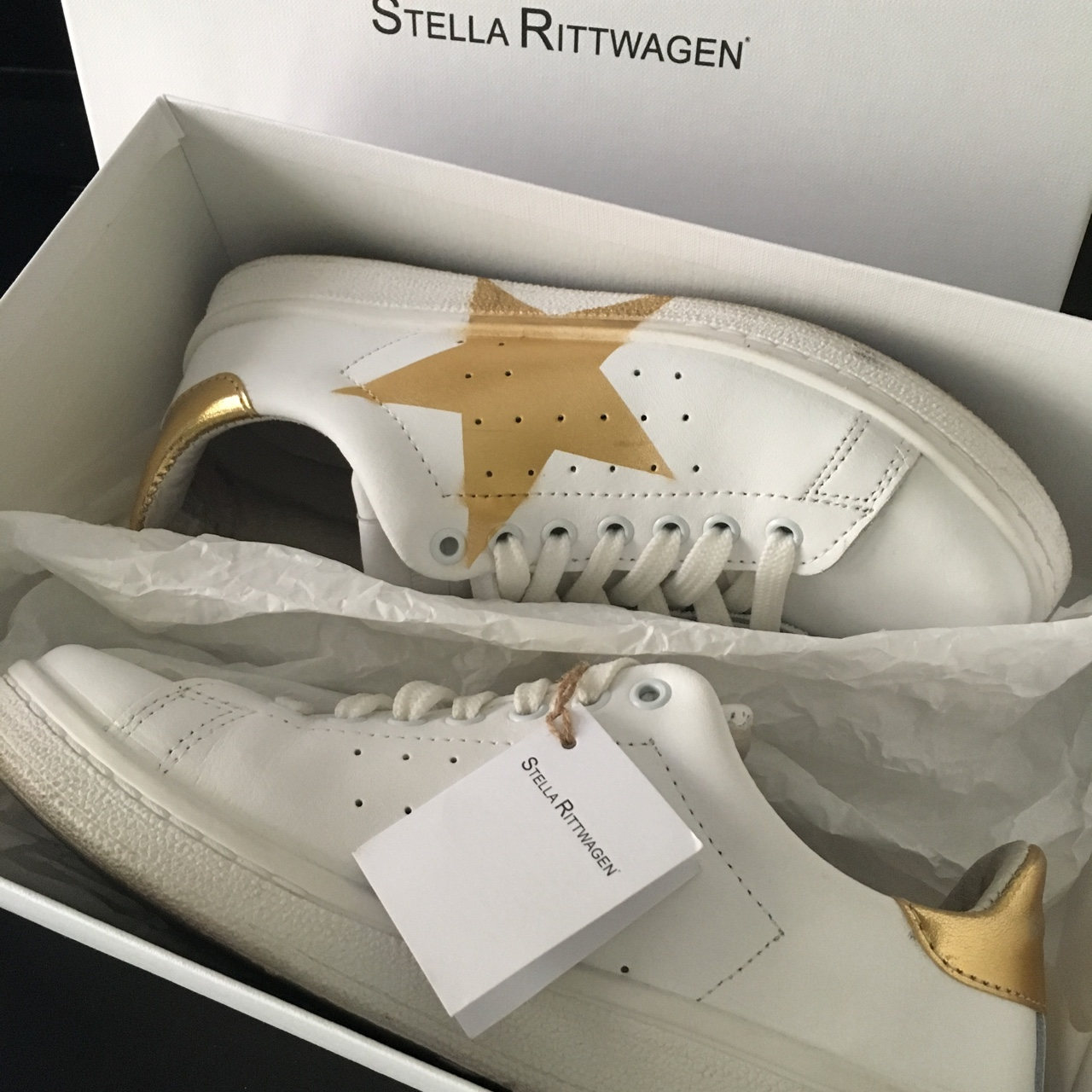 official photos d733e ac7c4 Scarpe Stella Rittwagen. Sneakers bianche in pelle... - Depop