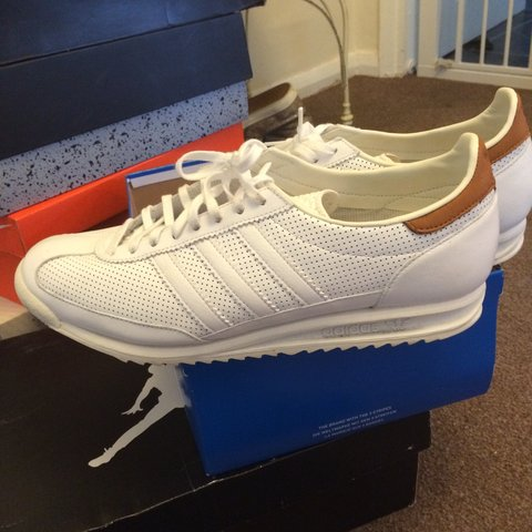 1b50411042328 Adidas SL-72 White UK11.. 100% authentic from the Adidas DM - Depop