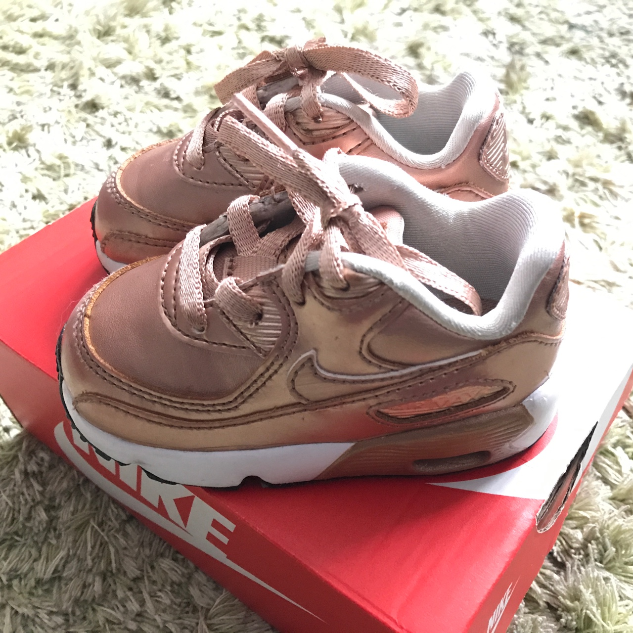 Kids nike air max 90 trainers size 4.5