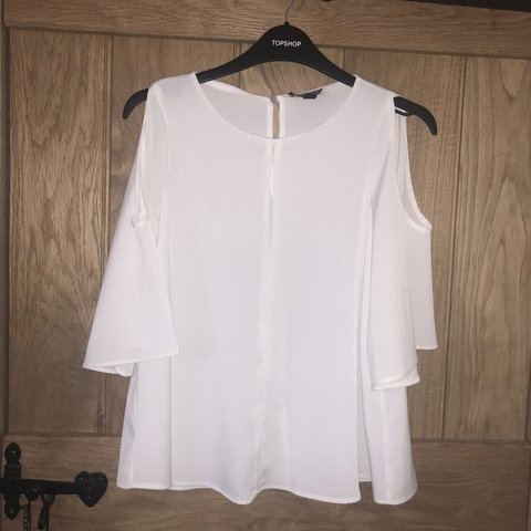 dcbd8ed68f694 Topshop cold shoulder top size 6. Worn once Poplin Topshop - Depop