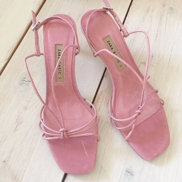 Zara Pink strappy leather sandals. Mid