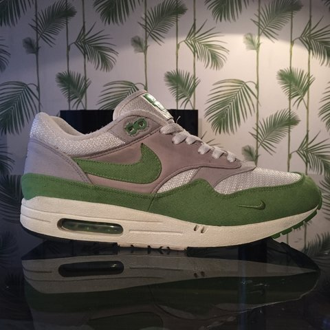 Nike air max 1 X patta chlorophyll. Size uk 9. Very very   - Depop b388ca03e