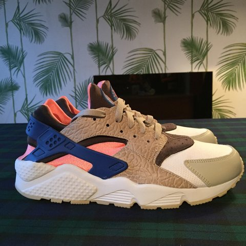 d78fd6b19cf21 Nike air huarache LE Safari grey pink blue. Condition 9 10. - Depop