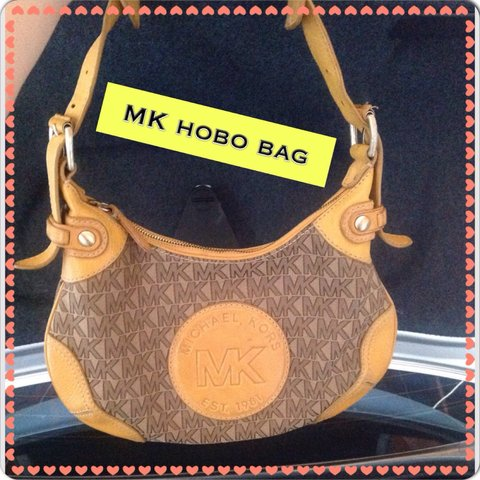 496d25df2d67 Authentic Michael kors hobo bag made with canvas and leather - Depop