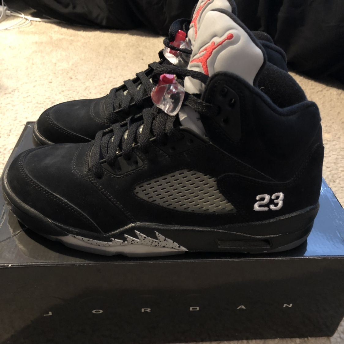 the best attitude bdc0a c6aa3 Jordan Black Metallic 5's (2011) Size 8 Worn less... - Depop