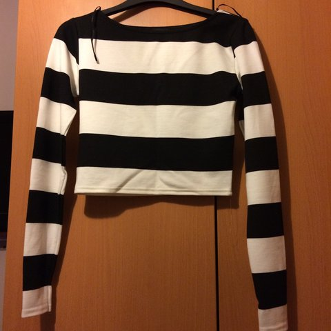 144d458f433e Black and white river island stripe crop top with long never - Depop