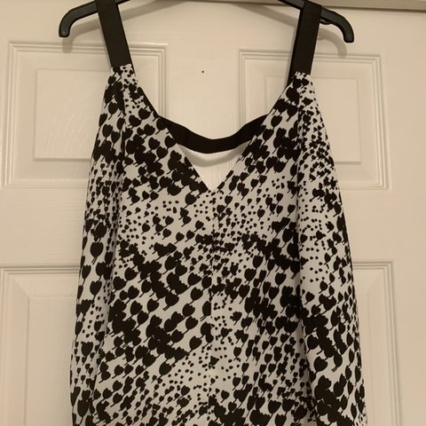 1cc9f79d Zara black and white cami top. Size small 💜 Please check - Depop