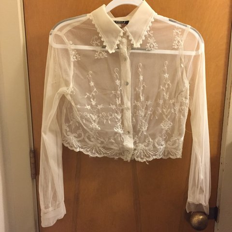Cute Lace Vintage Button Up Shirt Missing A Butting But Can