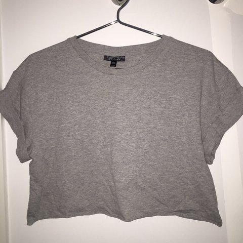 5fd3f7414a1 @leilabarber55. 3 years ago. Kings Langley, Hertfordshire, UK. Topshop Grey  Cropped T-Shirt Size UK 10 ...