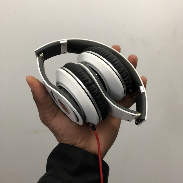 AUTHENTIC BEATS STUDIO 1 Wired These headphones    - Depop