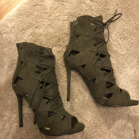 9bc5d56e9 Army green peep toe bottles from shoe dazzle. Never worn