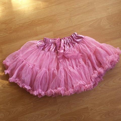1b54408d93 Kawaii pink petticoat skirt! In great condition One size 15 - Depop