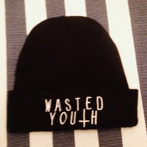 6f666b2ee67 Wasted youth beanie hardly wore it🙌 - Depop