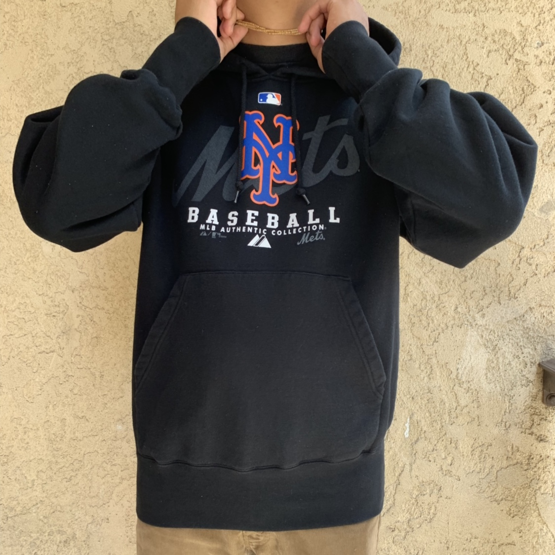 super popular df0ab 11cd1 MLB Auth. Majestic NY Mets Hoodie. Like new. 10/10... - Depop