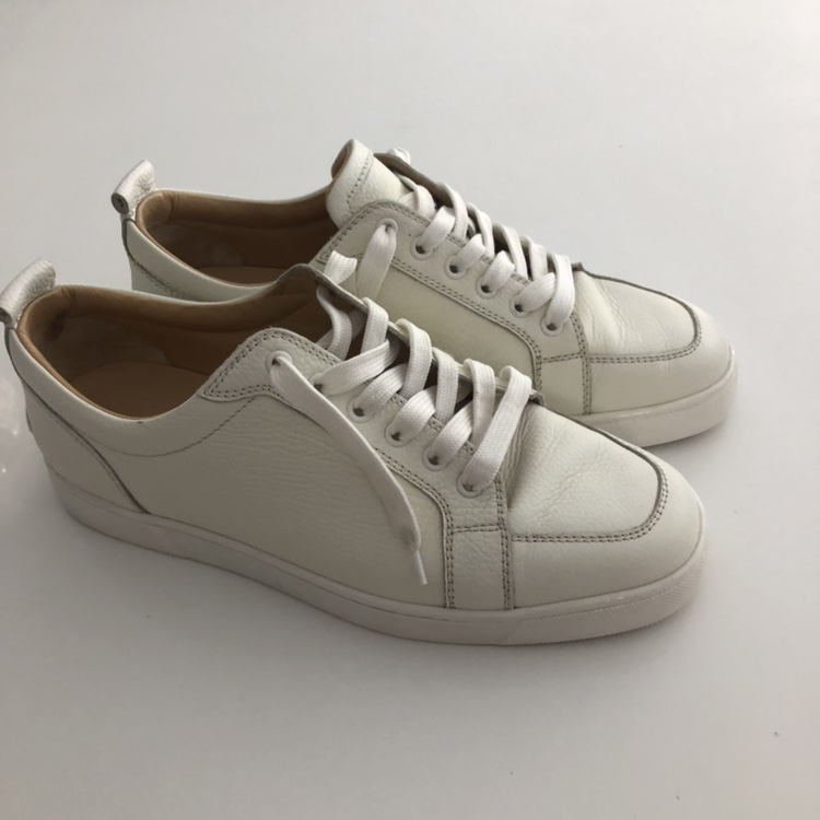 white trainers. Size 41.5 - Depop