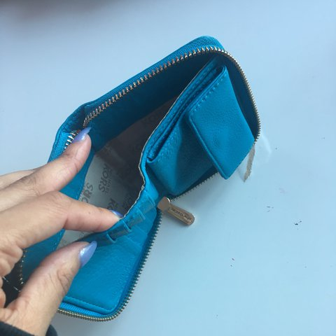 6c0360195783 @laurennunesss. 12 days ago. London, United Kingdom. Small blue Michael  Kors purse - Used but ...