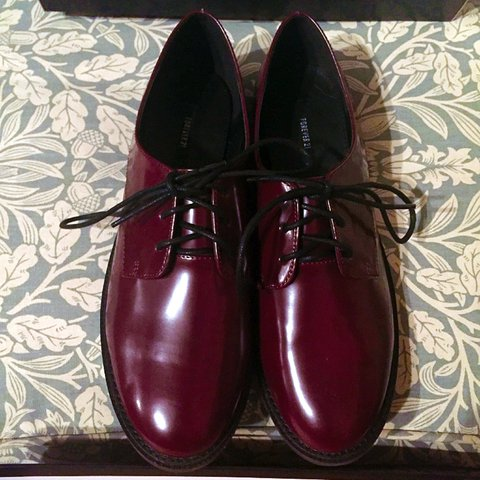 0795a90c731 unworn FOREVER 21 F21 burgundy red purple patent faux heeled - Depop