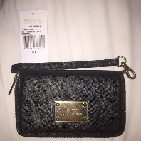 8debdc90e @ethynmaki. 4 years ago. San Francisco, CA, USA. Here is a gorgeous Michael  Kors wristlet/ wallet that can ...