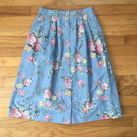 997e03e35f Vintage blue floral Alfred Dunner button up skirt. Very size - Depop