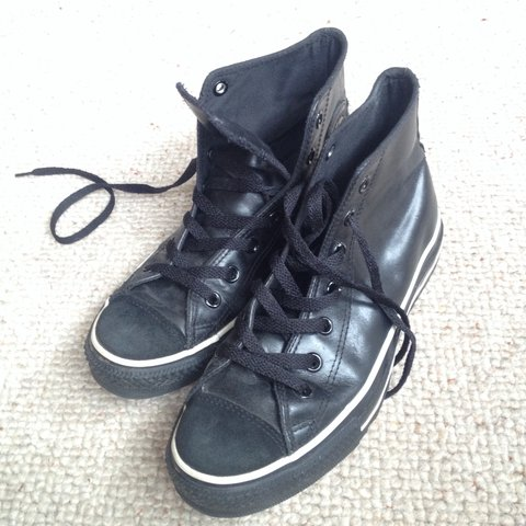 3cf3707400dd Selling all-black leather Converse    -UK Size 6 -very £3 - Depop