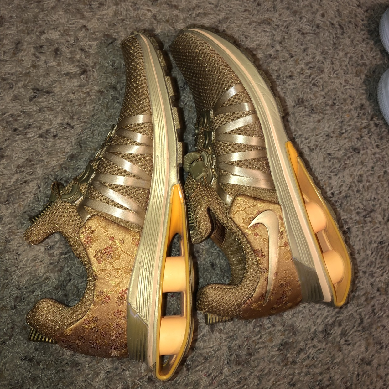 GOLDEN HOUR NIKE SHOES. So cute in the