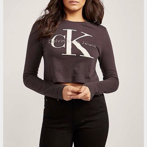 1ded4df2595c6 NEVER WORN   Calvin Klein long sleeve crop top (Dark size - Depop