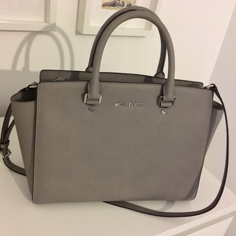 52a143951a08 store michael kors selma bag medium size in pearl grey. can be as depop  e06f4