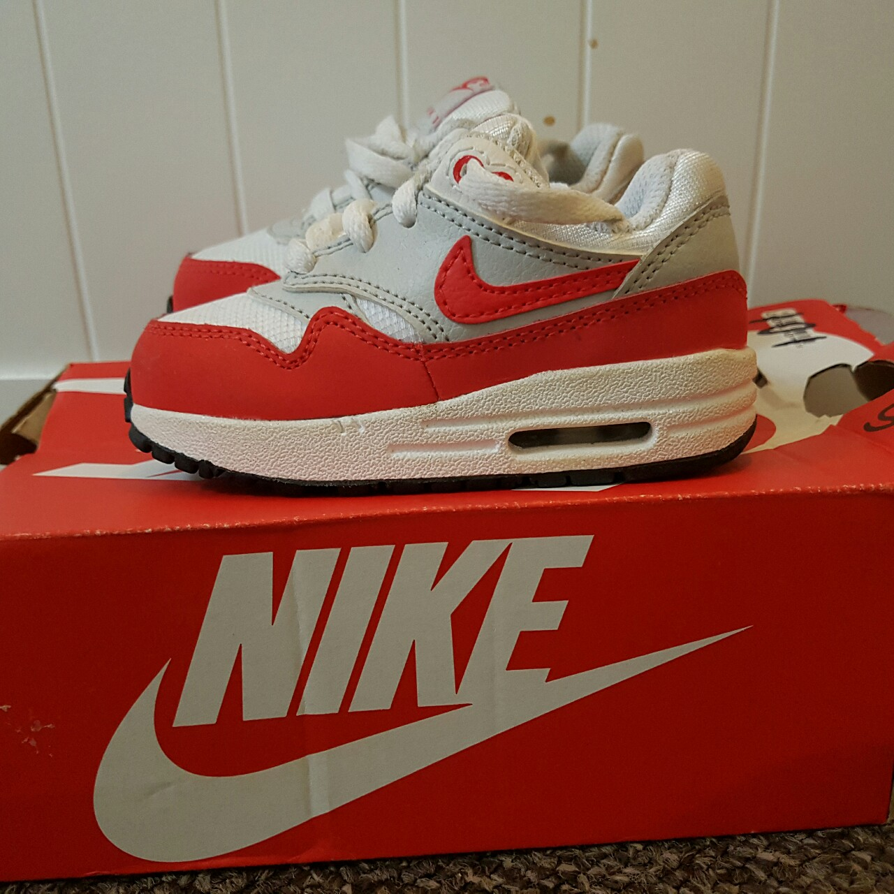 Infants nike air max 1 OG red and white. Only worn a...