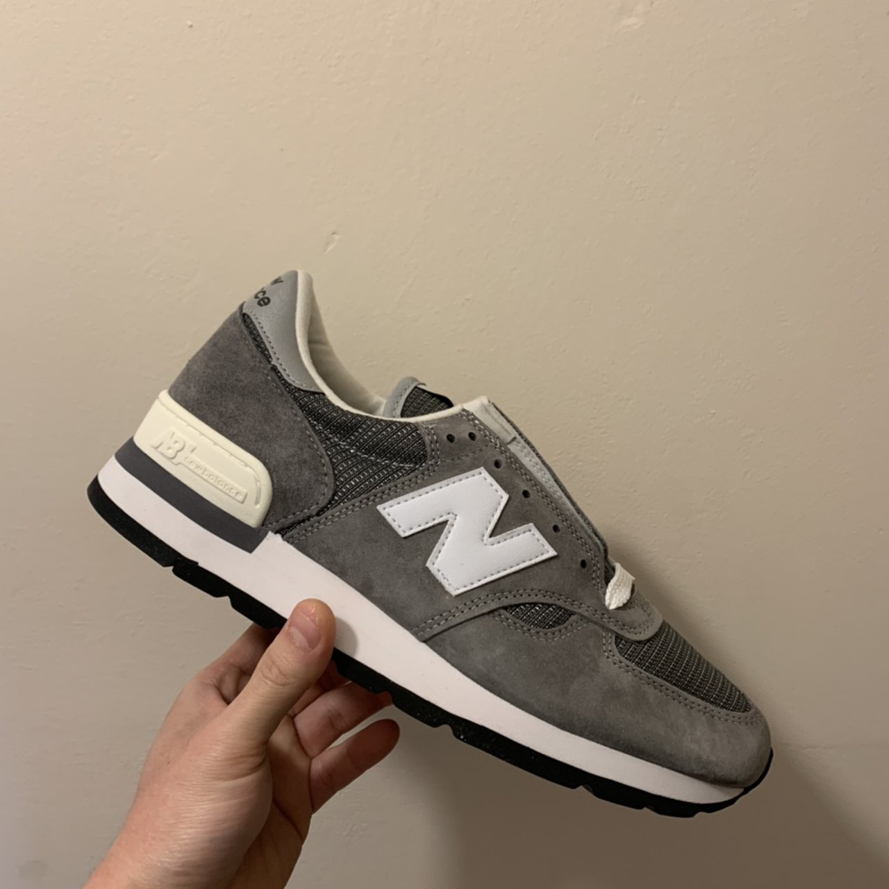 New balance 990v1 GRY Made in USA New