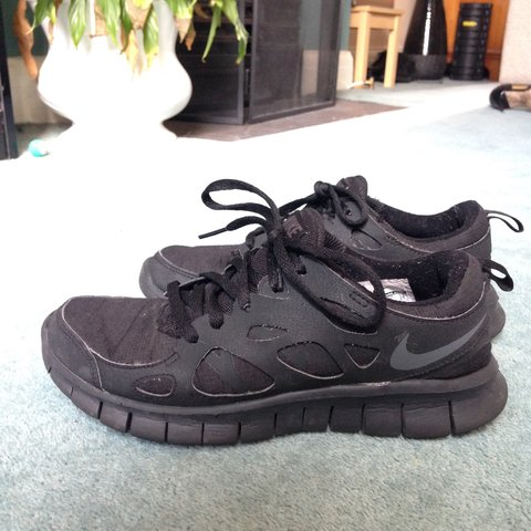 1633873530670 Nike Free Run 2 Trainers - Junior Size 5 - Black. Only worn - Depop