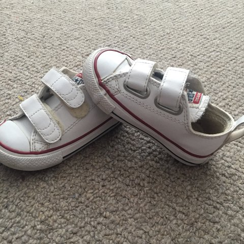 88c974bbd3dc Toddlers size 5 Velcro converse - good condition just out no - Depop