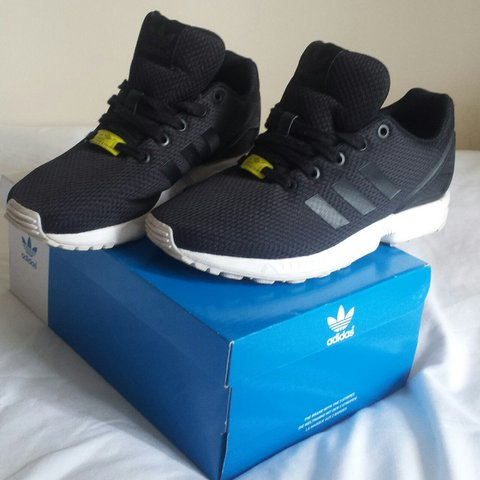 🐢 reserved 🐢 Black adidas zx flux  size 5 boys juniors 02e19776c