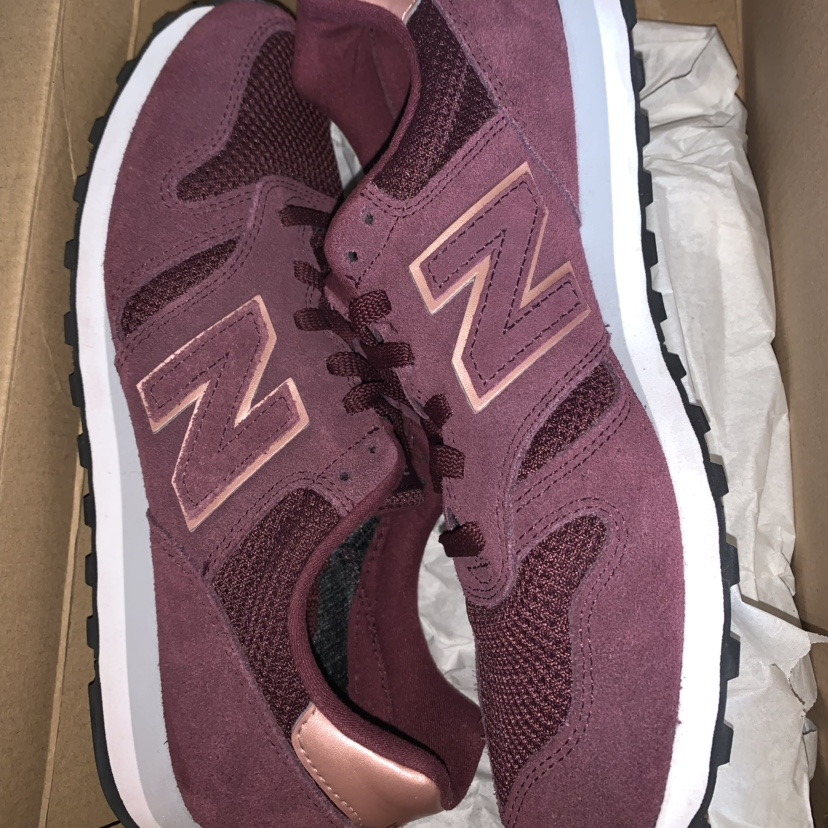 New balance 373 Women's Burgundy/Wine and rose gold ...