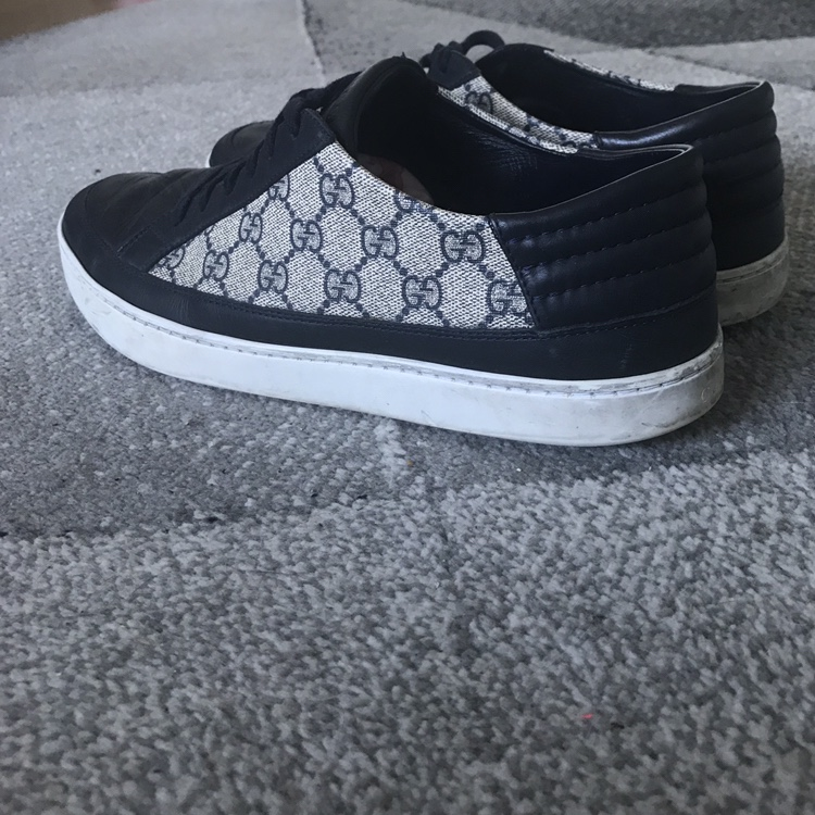 Men's navy Gucci trainers Size 10 Good