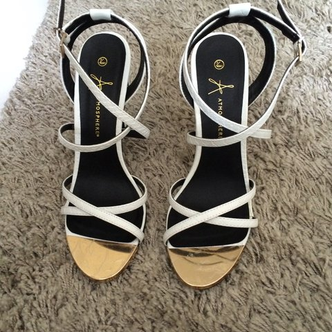 94bc1527e2997 PRIMARK - CUTE ALL WHITE STRAPPY HEELED SANDALS! SIZE 7 BUT - Depop