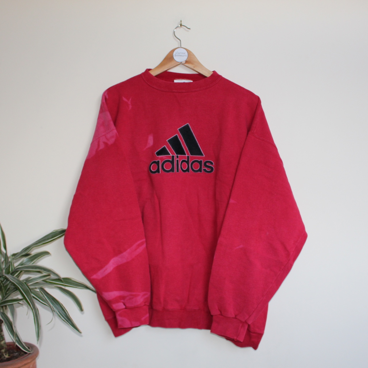 Faded To Sweater The Depop All Adding In Vintage Places Adidas Z7Pxgn66qw