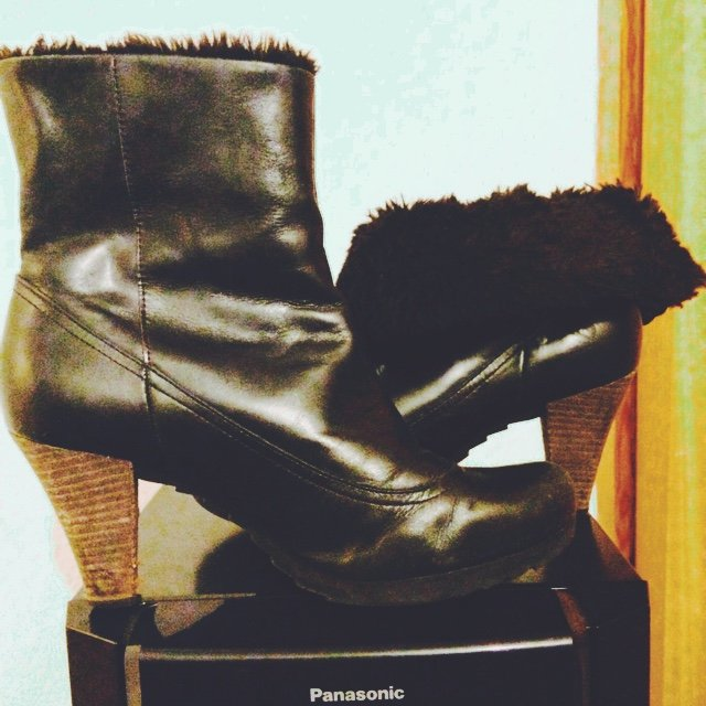 3c5833afc323 Clarks black fold over fur boots. Worn few times bought for - Depop